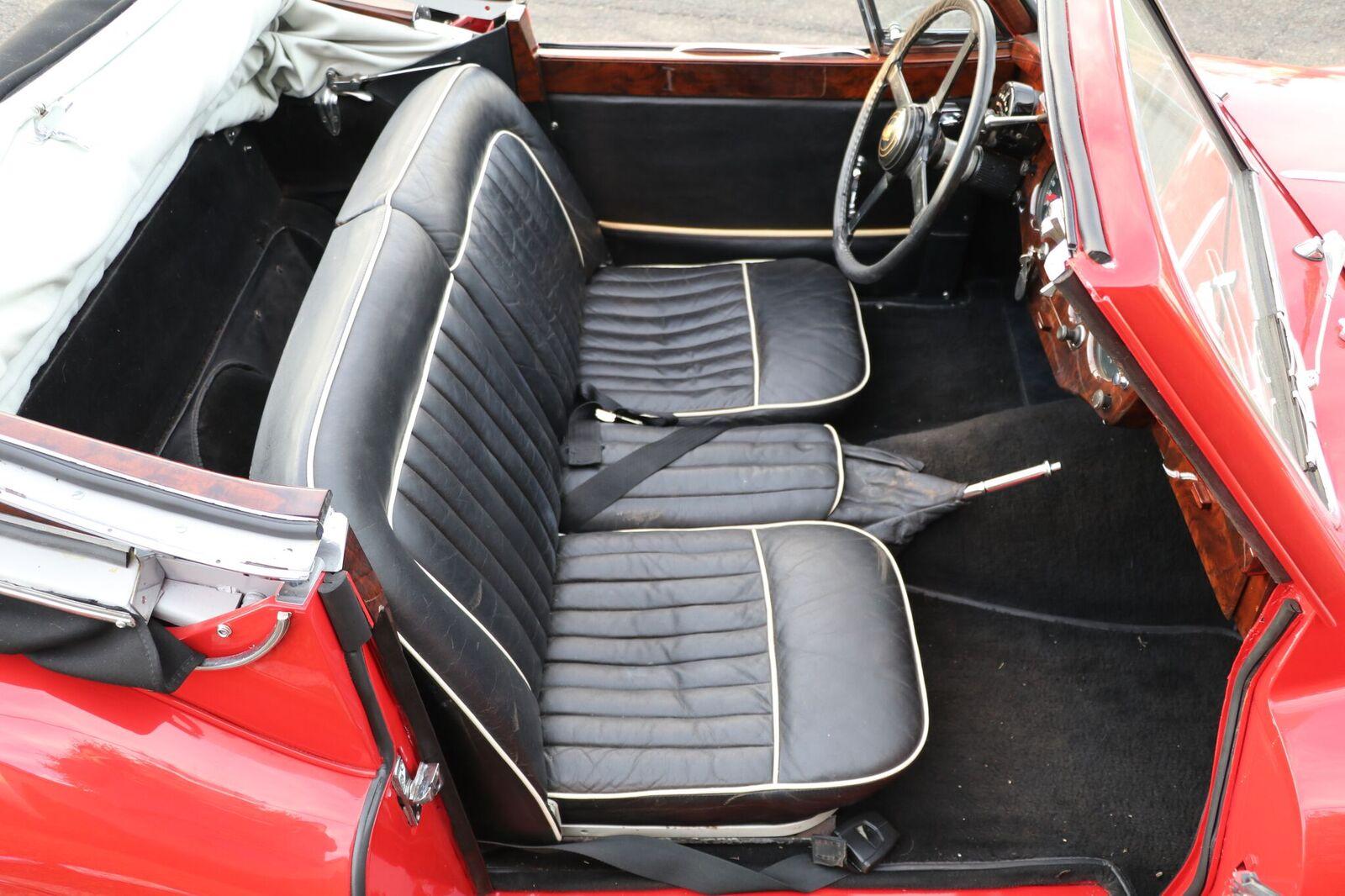 # 22164 1957 Jaguar XK150 Red (28)_preview (1)