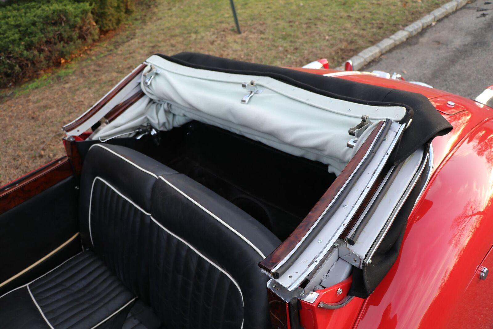 # 22164 1957 Jaguar XK150 Red (27)_preview