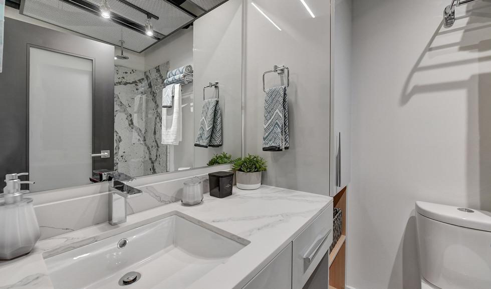 f-bathroom1-minjpg