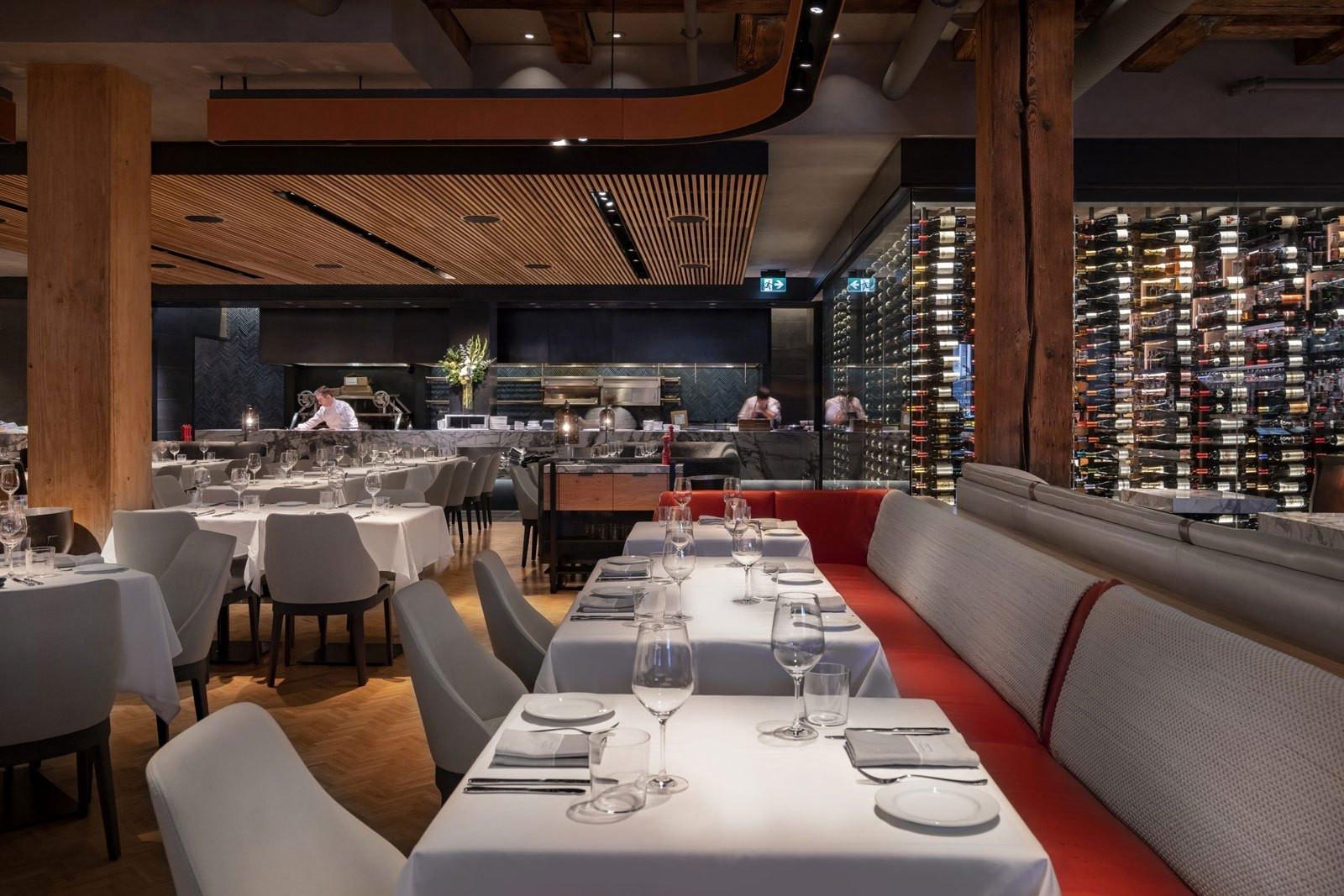 Elisa Steakhouse Tables