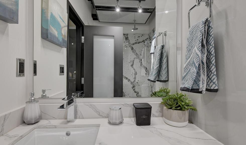 f-bathroom4-minjpg