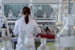laboratory-2815641-min