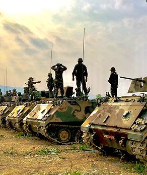 Soldati e carri armati