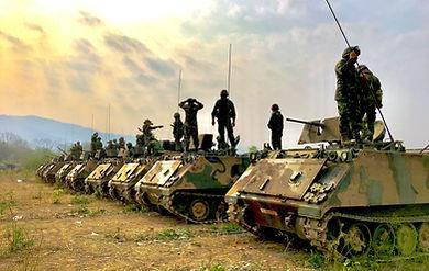 Солдаты и танки