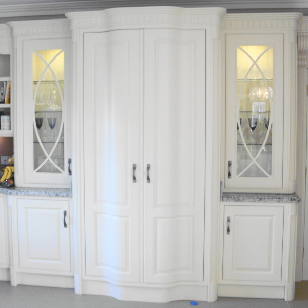 Curved Larder Doors with Accessories