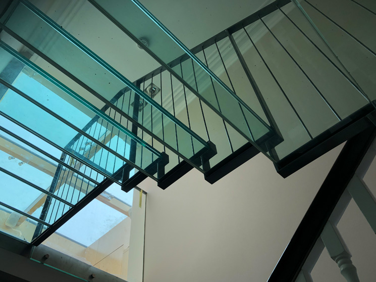 Steel Handrail on Glass Stairs