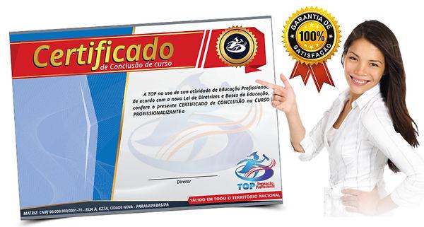 mulher com certificado.jpg