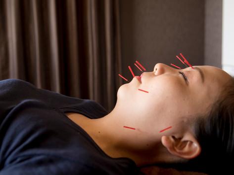 3 )顔を体の状態を映し出す鏡として、体の治療を同時にする。