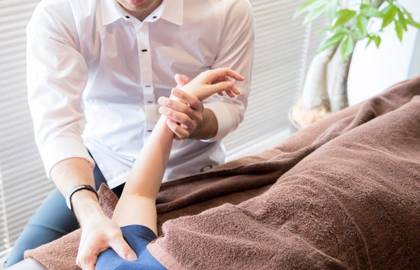 痛くない施術でツボを刺激して体全体を活性化。