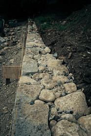 Hintermauerung der Trockenmauer