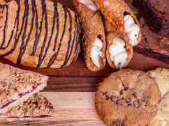 Croissant & Cannoli