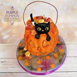 Pumpkin treat bag and cat cake
