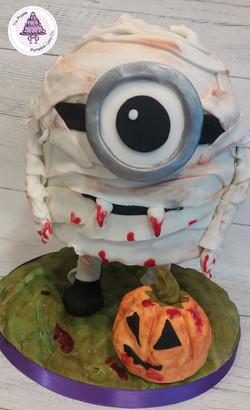 halloween minion mummy