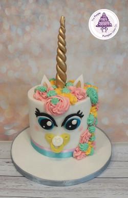 baby shower unicorn cake