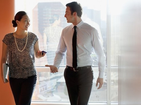 4 Small Talk Tips That'll Instantly Make Your Interviewer Like You More