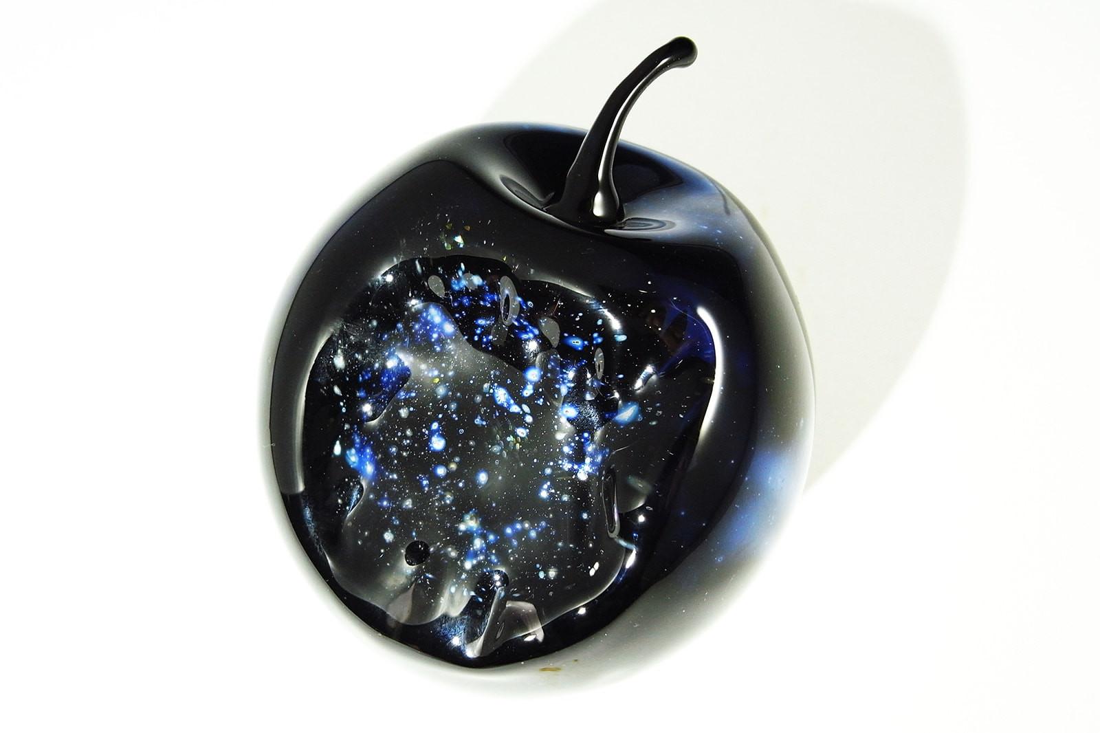UNIVERSAL APPLE 早川和明ガラスアート りんご