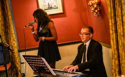 Acoustic duo - with Gloria Miller