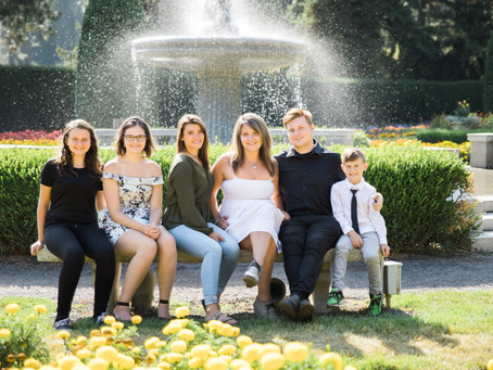 Sunshine and Gardens | Family session in the Park