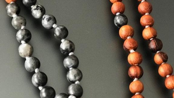"""Handgeknüpfte Mala Halskette kurz """"Grey Spirit"""""""