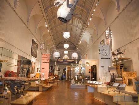 Brighton Museum : 20th century furniture gallery.