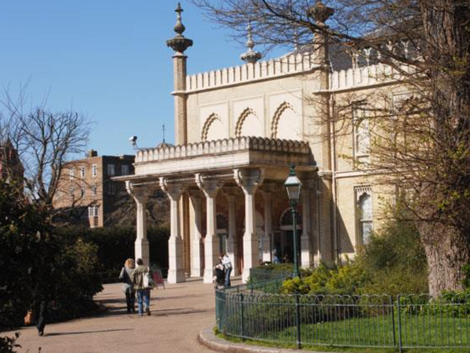 Brighton Museum : Gallery design and implementation.