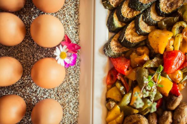 Gemüse und Eier Frühstücks-Manufaktur