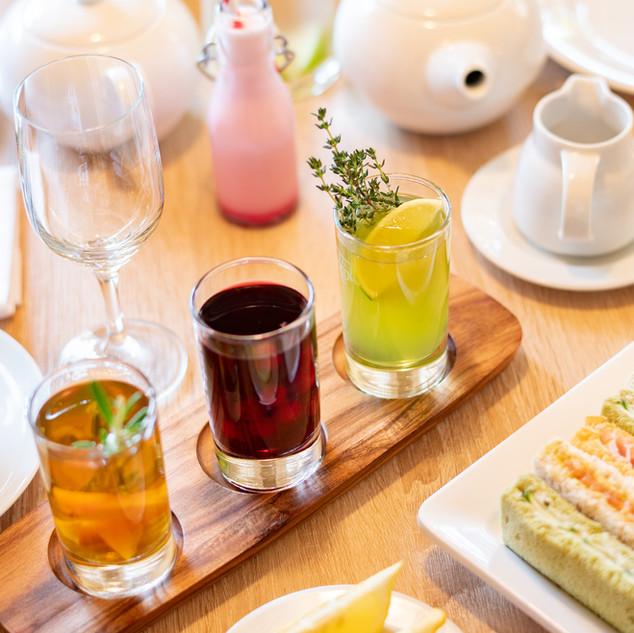 Eistee und Sandwiches Afternoon Tea im Hotel Wegner - the culinary art hotel