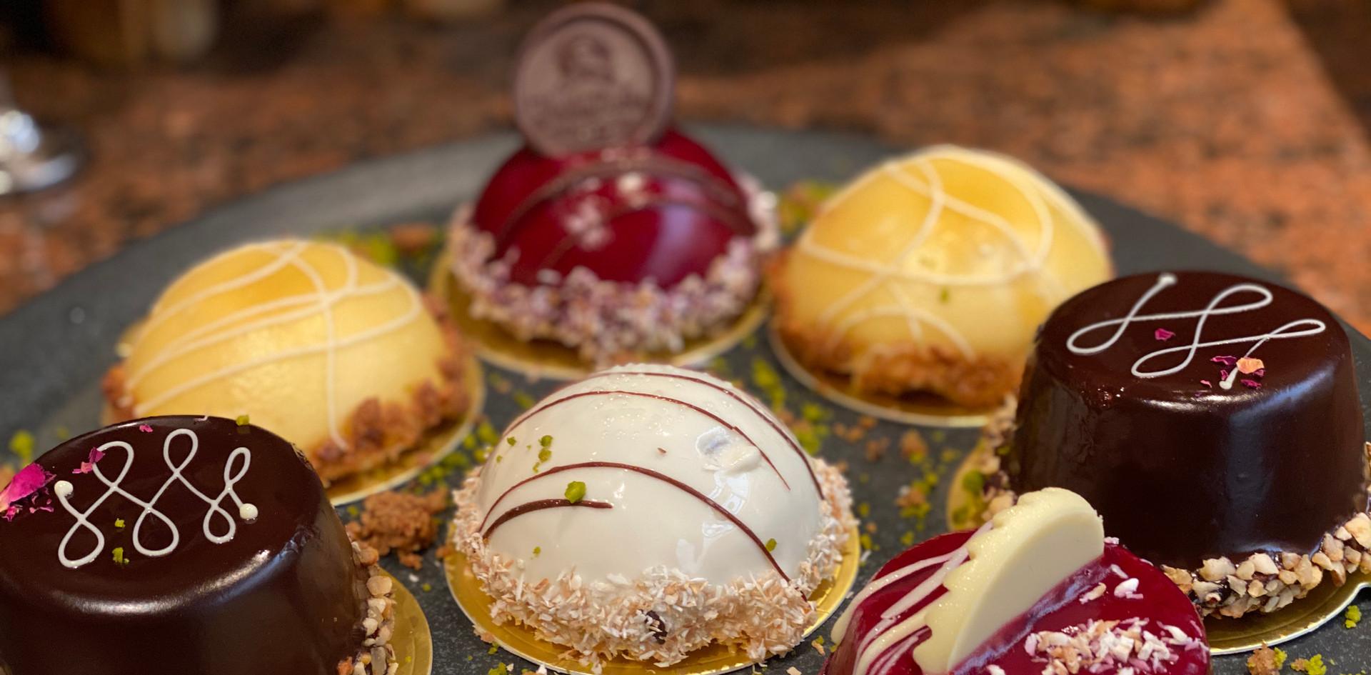 selbstgemachte Törtchen Lunch & Sweet - Hotel Wegner - The culinary Art Hotel