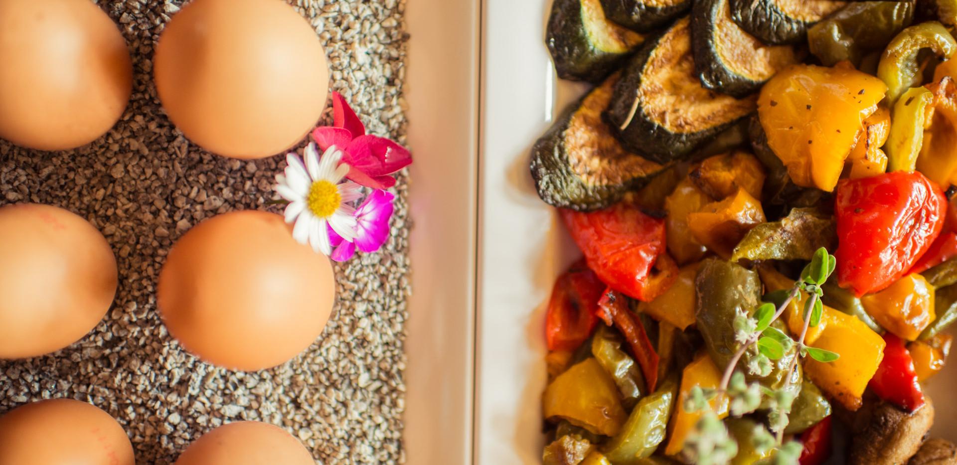 Pfannengemüse und warme Speisen am Buffet Frühstücks-Manufaktur