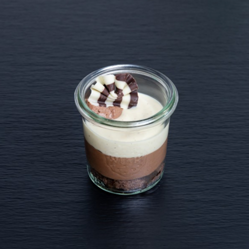 Charlotte au chocolat mit Vanillesauce