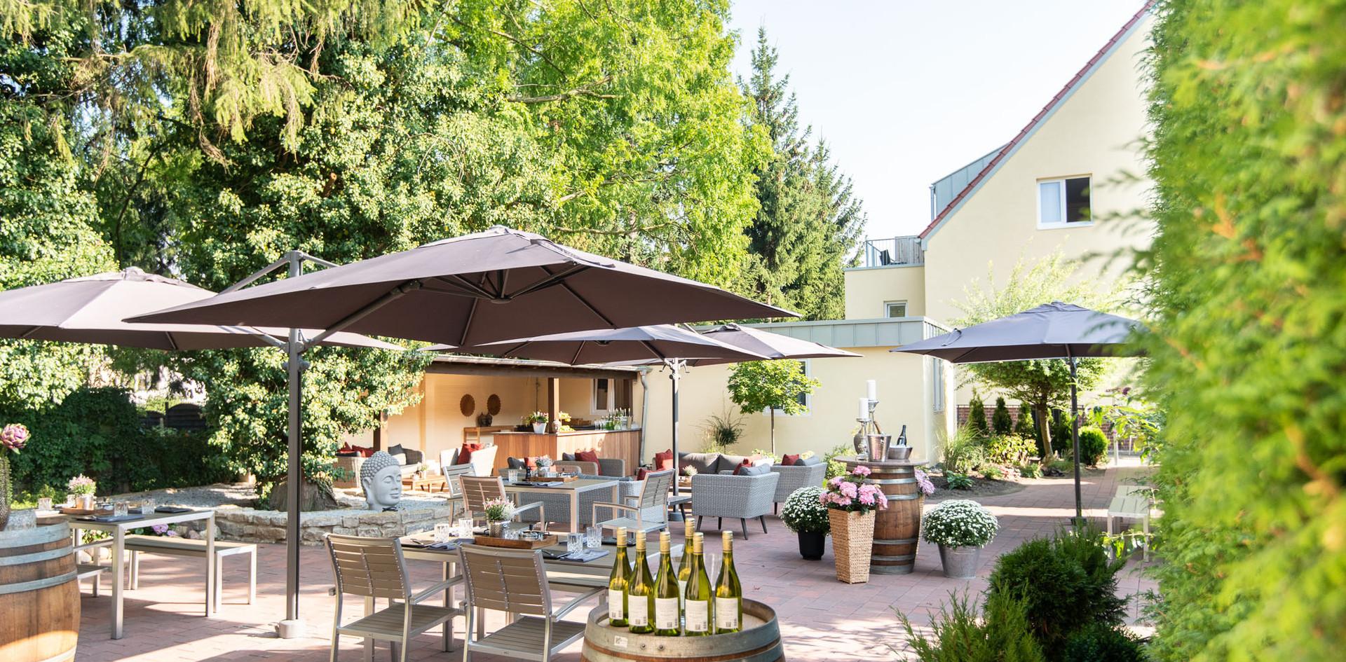 Terasse im Sommer Hotel Wegner - the culinary art hotel