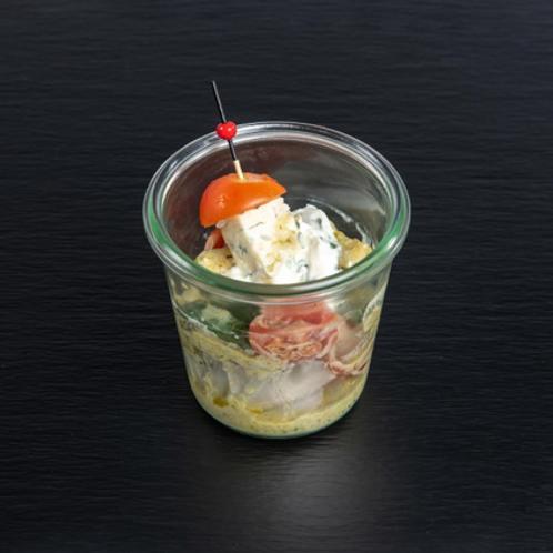 Zucchinisalat mit Basilikum- und Gorgonzola-Creme