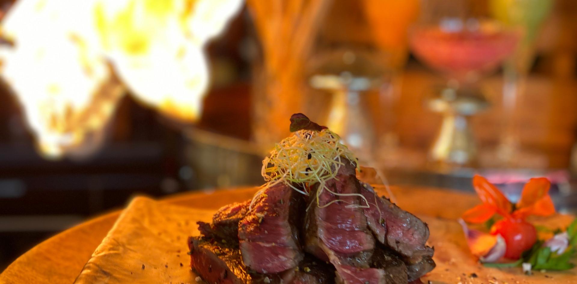 Brennendes Rumpsteak Hotel Wegner Restaurant Maxes
