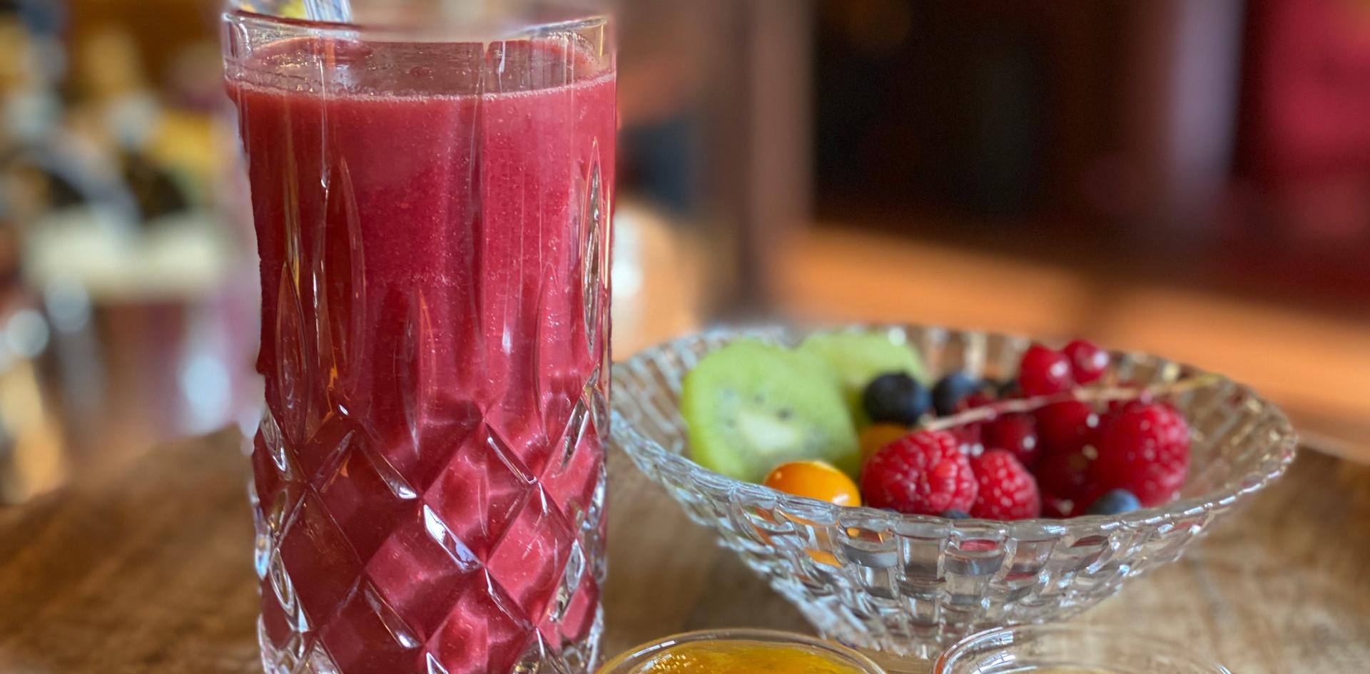 Beerensmoothie Frühstücks-Manufaktur - Hotel Wegner - The culinary Art Hotel
