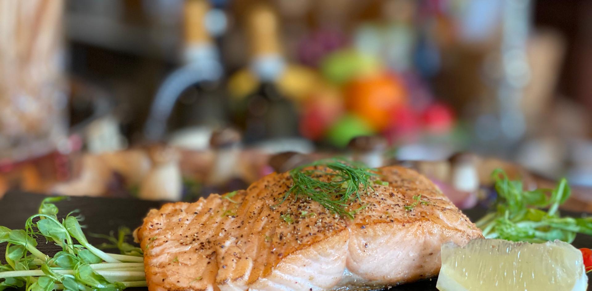 Lachsfilet Restaurant Dinner - Hotel Wegner - The culinary Art Hotel