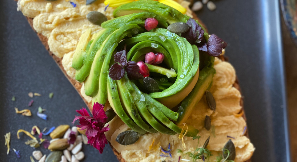 Hummus Stulle Frühstücks-Manufaktur - Hotel Wegner - The culinary Art Hotel