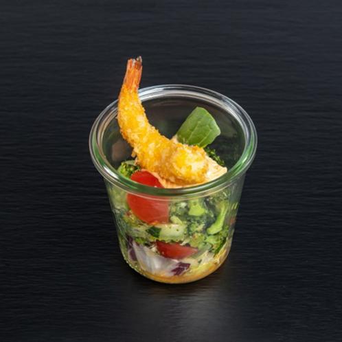 confierte Garnele auf Pak Choi und Broccoli in Ingwer und Knoblauch gedünstet