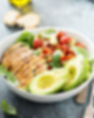 Caprese lunch bowl with grilled chicken