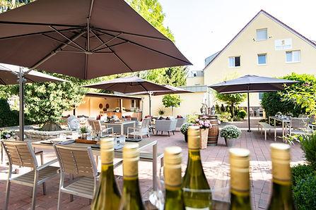 Lounge Bereich Hotelgarten im Hotel Wegner - the culinary art hotel