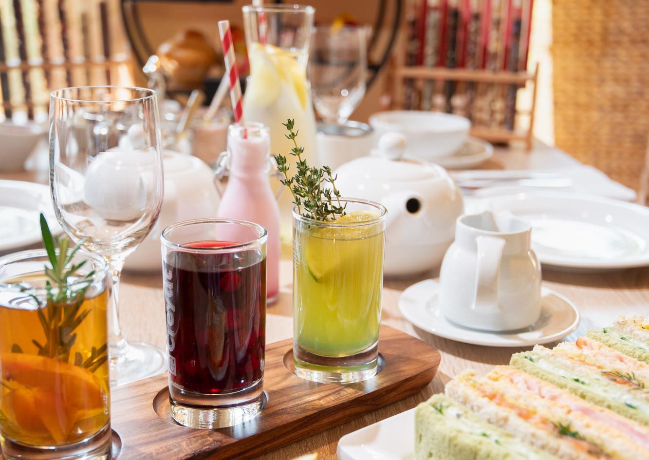 Sandwiches und Eistee Afternoon Tea - Hotel Wegner - The culinary Art Hotel