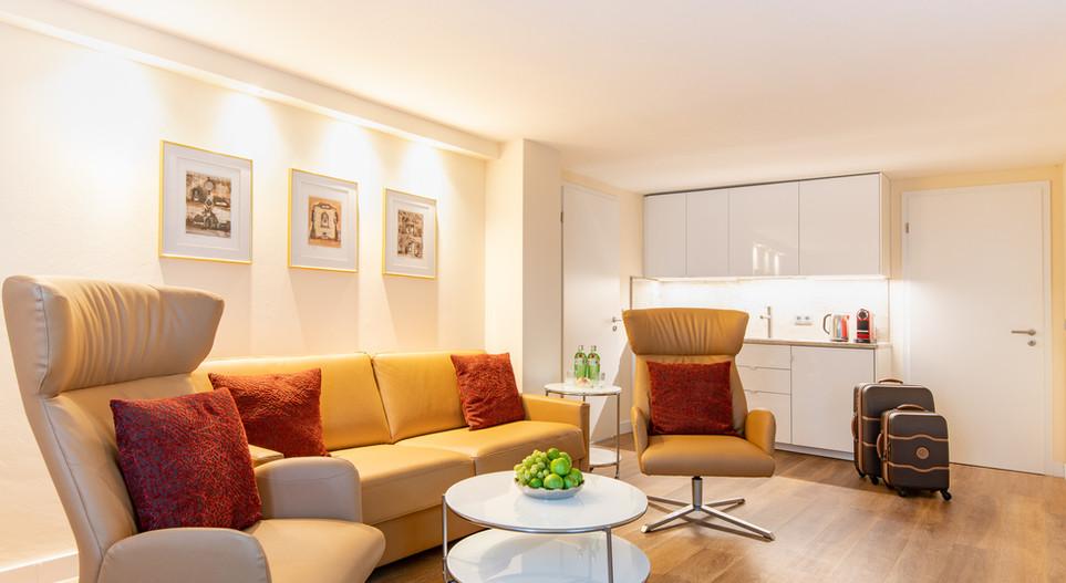 Wohnzimmer mit Küche Suite Villa2 Hotel Wegner