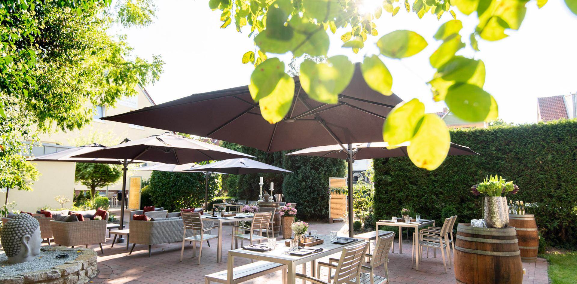 Essen auf der Gartenterrasse Hotel Wegner - the culinary art hotel