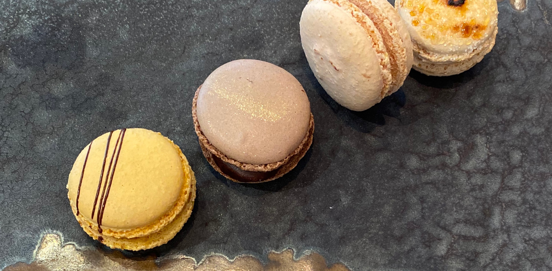selbstgemachte Maccarons Lunch & Sweet - Hotel Wegner - The culinary Art Hotel