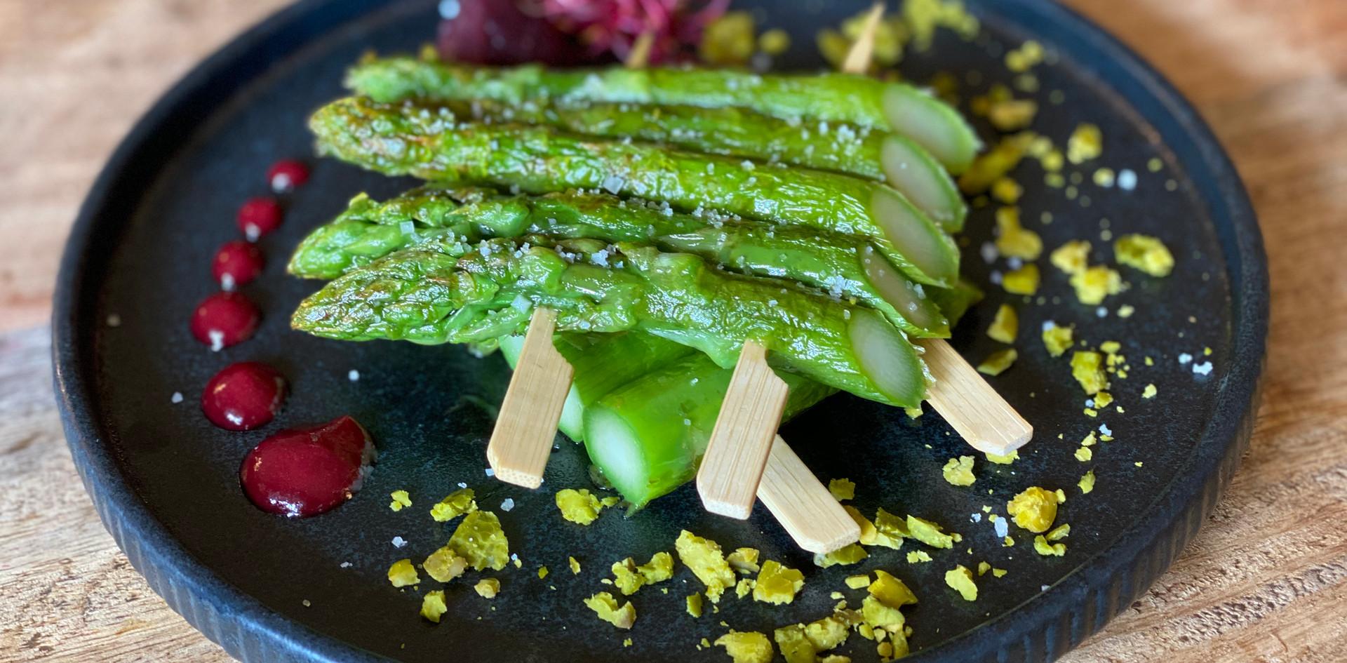 grüner Spargel Restaurant Dinner - Hotel Wegner - The culinary Art Hotel