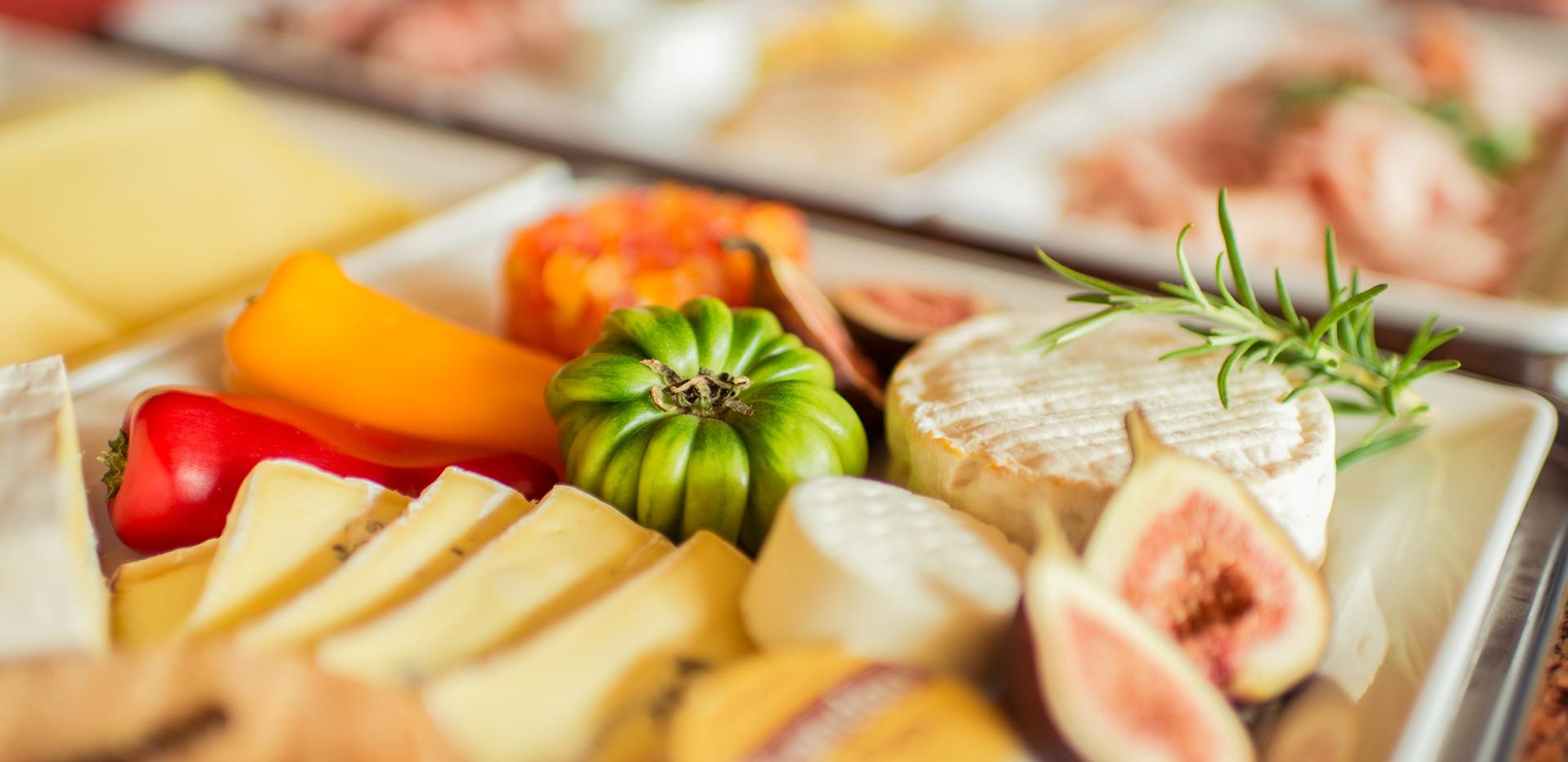 Käseplatte mit Feigen Frühstücks-Manufaktur