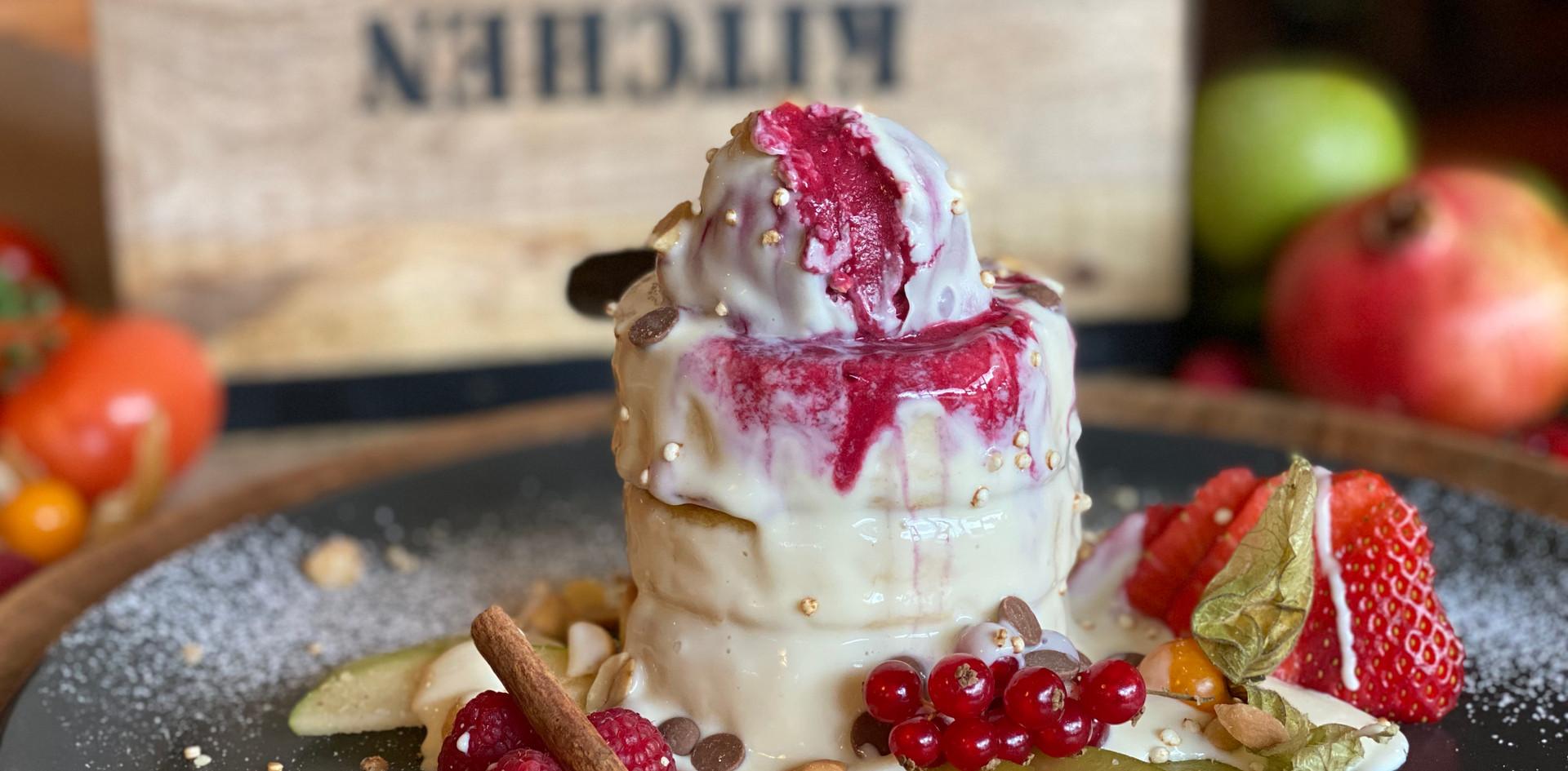 Pancakes mit Vanillesoße Frühstücks-Manufaktur - Hotel Wegner - The culinary Art Hotel