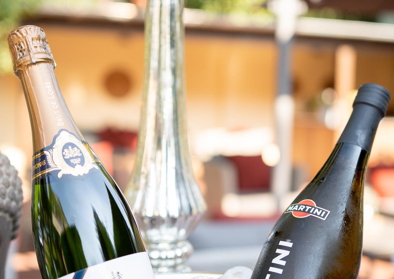 Sekt und Champagner im Garten