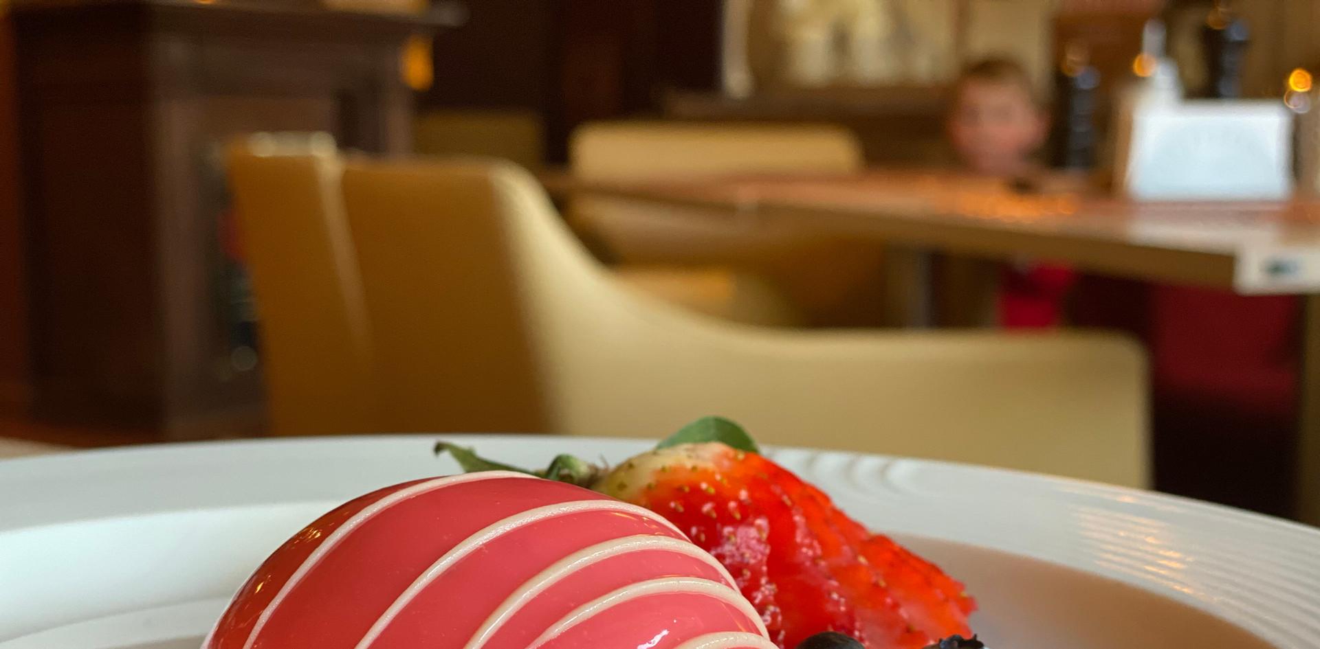 selbstgemachtes Törtchen Lunch & Sweet - Hotel Wegner - The culinary Art Hotel