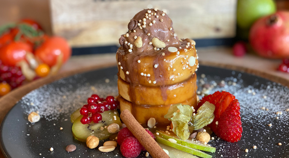 Pancakes mit Erdnusssoße Frühstücks-Manufaktur - Hotel Wegner - The culinary Art Hotel