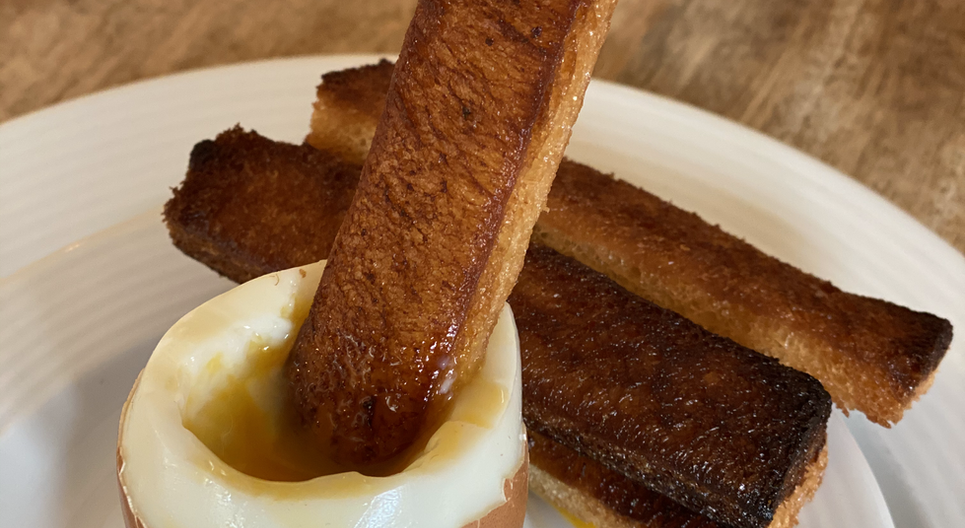 Eier mit geröstetem Brot Frühstücks-Manufaktur - Hotel Wegner - The culinary Art Hotel
